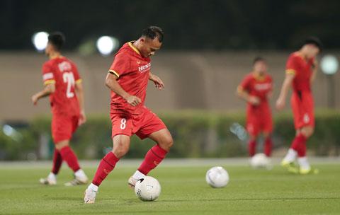 Trọng Hoàng đã sẵn sàng xung trận ở vị trí tiền vệ trung tâm - Ảnh: Minh Anh