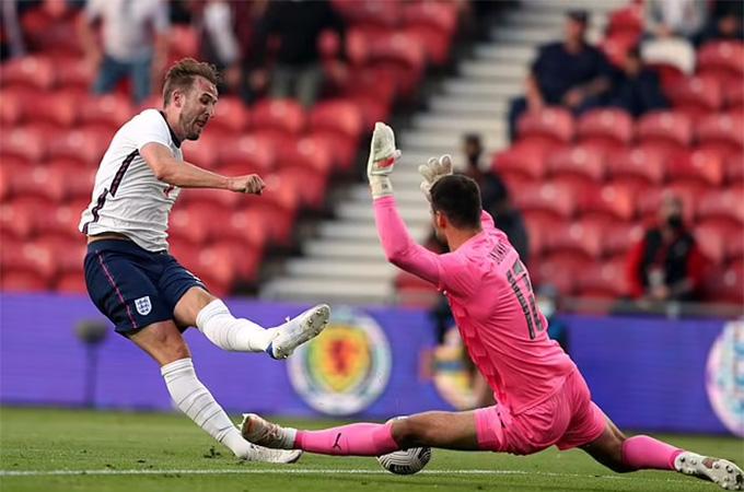 Kane có cơ hội ghi bàn nhưng không tận dụng thành công