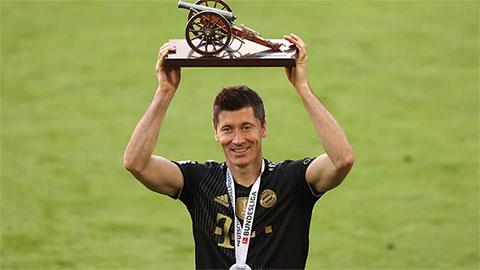 Lewandowski đánh bại Haaland, ẵm thêm 1 giải thưởng cá nhân