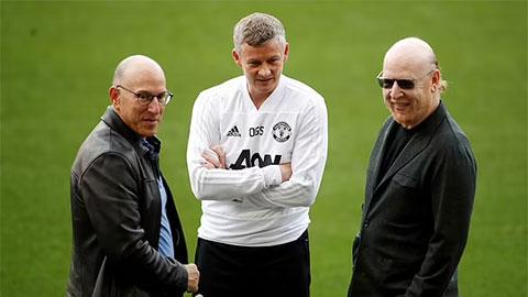 Nhà Glazer xuống nước với fan Man United