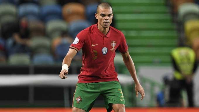 Pepe là cầu thủ già nhất tham dự EURO 2020