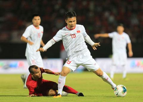 Theo HLV Thanh Hùng (ảnh chủ), sức trẻ của Indonesia sẽ ít nhiều làm khó cho ĐT Việt namẢnh: Đức Cường - Phan Tùng