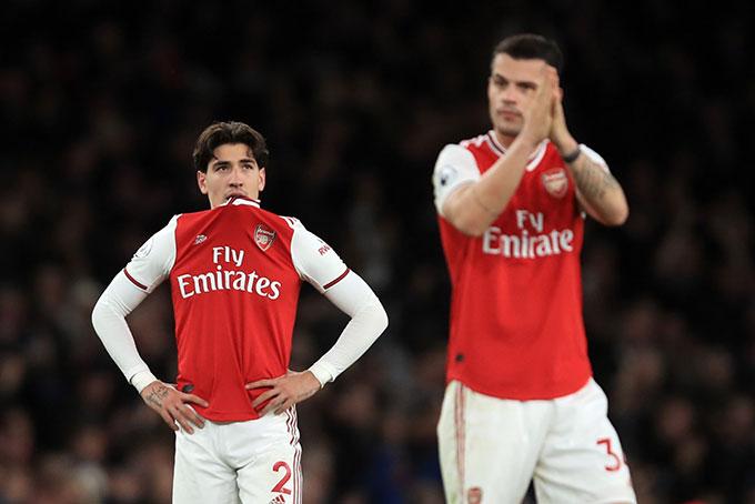 Arsenal sắp chia tay 2 trụ cột