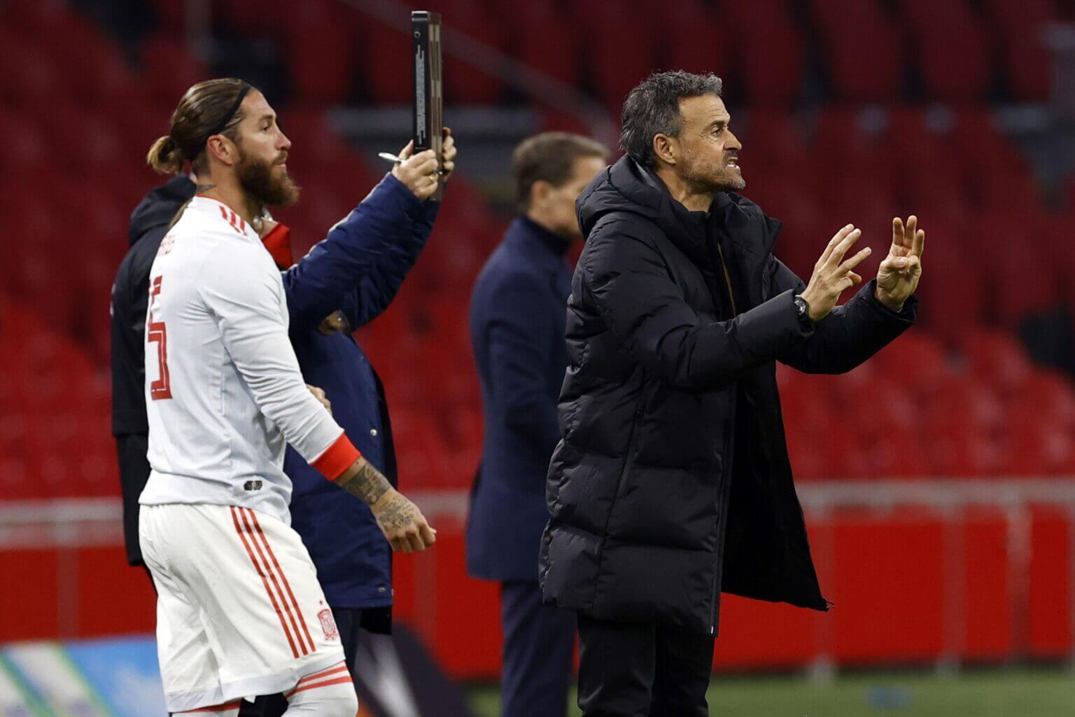 Quyền lực cầu thủ được ám chỉ vào vai trò của Sergio Ramos