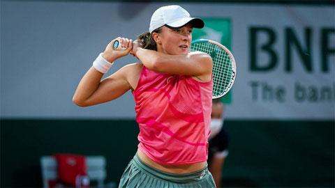 Iga Swiatek thành cựu vô địch Roland Garros