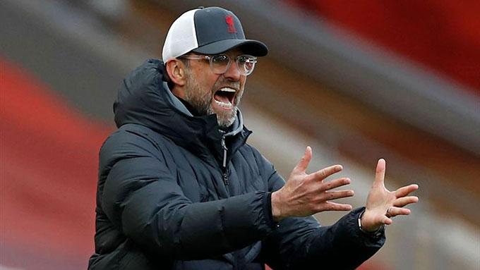 """HLV Klopp đau đầu vì vấn đề """"đầu tiên"""" của Liverpool"""