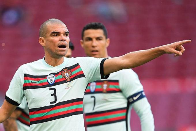 Pepe đã 38 tuổi và khó lòng tiếp tục được triệu tập lên ĐTQG