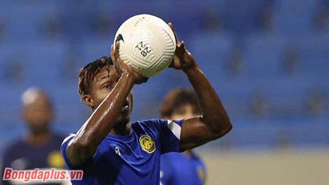 ĐT Malaysia rèn chơi bóng bằng tay trước khi gặp ĐT Việt Nam