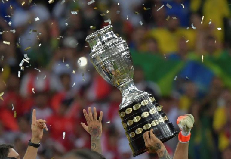 Việc mất quyền đăng cai khiến Messi và ĐT Argentina sẽ gặp nhiều khó khăn trong mục tiêu vô địch