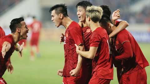 Điểm nhấn ĐT Việt Nam 2-1 ĐT Malaysia: Bay trên đỉnh nhờ 'đòn hay' đả hổ
