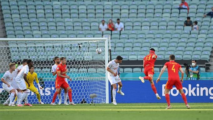 Trực tiếp Xứ Wales 1-1 Thụy Sỹ: VAR tước bàn thắng của Gavranovic
