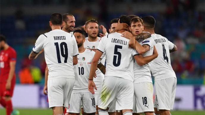"""Tường thuật Thổ Nhĩ Kỳ 0-3 Italia<span class=""""lived""""></span>"""