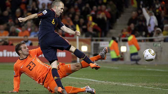 Bàn thắng lạnh lùng của Iniesta trong trận chung kết World Cup 2010
