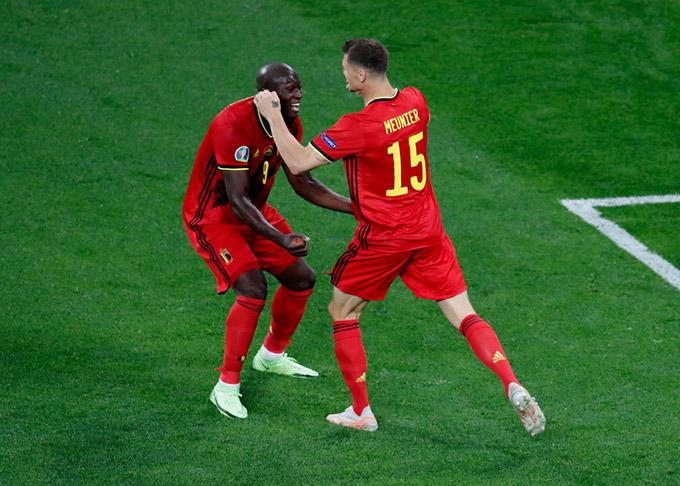 Meunier vào sân từ băng ghế dự bị nhưng đã tỏa sáng với 1 bàn thắng cùng 1 đường kiến tạo