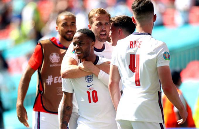 Kane thi đấu mờ nhạt, Mourinho ra mặt bảo vệ