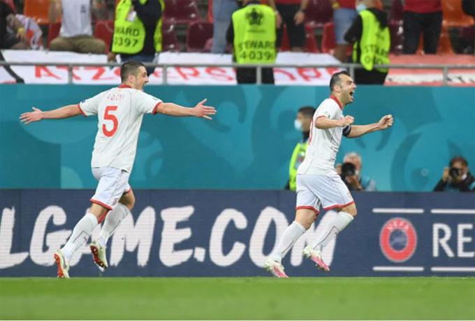 Lão tướng Pandev gỡ hòa 1-1 cho Bắc Macedonia