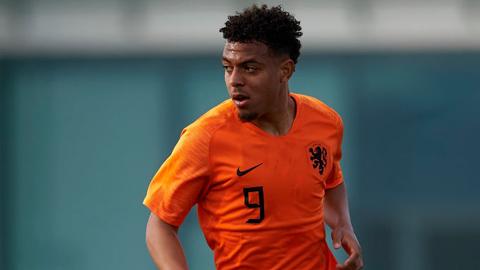 Dortmund nhắm tuyển thủ Hà Lan, mở đường cho Sancho đến MU