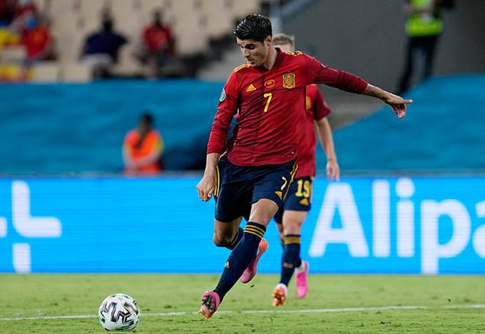 Morata bỏ lỡ hai cơ hội ngon ăn khiến Tây Ban Nha bị cầm hòa