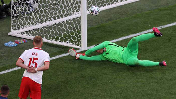 Szczesny lập kỷ lục buồn ở EURO