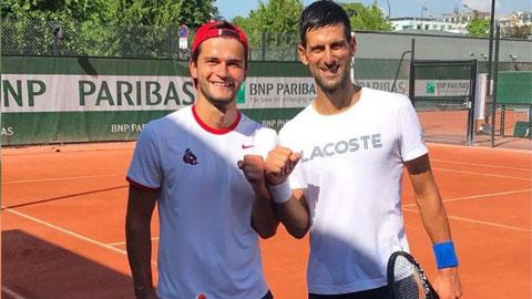 Djokovic tập ở quê Nadal để chuẩn bị cho Wimbledon 2021