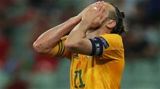Khoảnh khắc EURO: Bale và cú đá pen siêu tệ