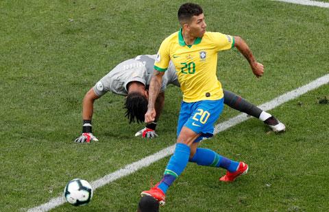 """Brazil sẽ lại """"làm gỏi"""" đối thủ chiếu dưới Peru"""