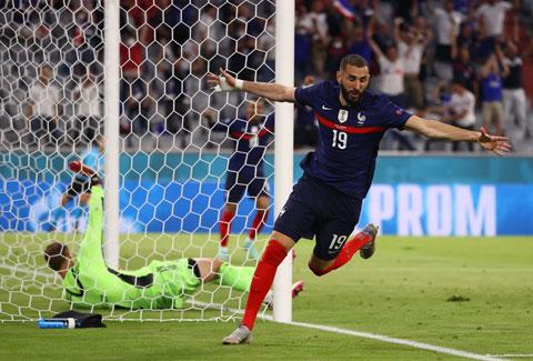 Không cần bung hết sức, Benzema và đồng đội vẫn dễ dàng hạ Đức ngay trên sân đối phương