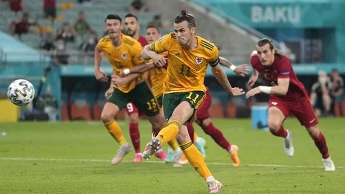 Bale đá hỏng 11 mét song vẫn góp công lớn giúp xứ Wales chiến thắng