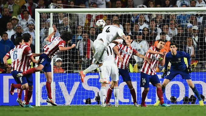 Hình ảnh không thể nào quên khi Ramos ghi bàn gỡ hòa 1-1 ở trận chung kết Champions League 2014 giữa Real vs Atletico