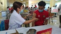 Đông Á Thanh Hóa được tiêm vaccine phòng Covid-19