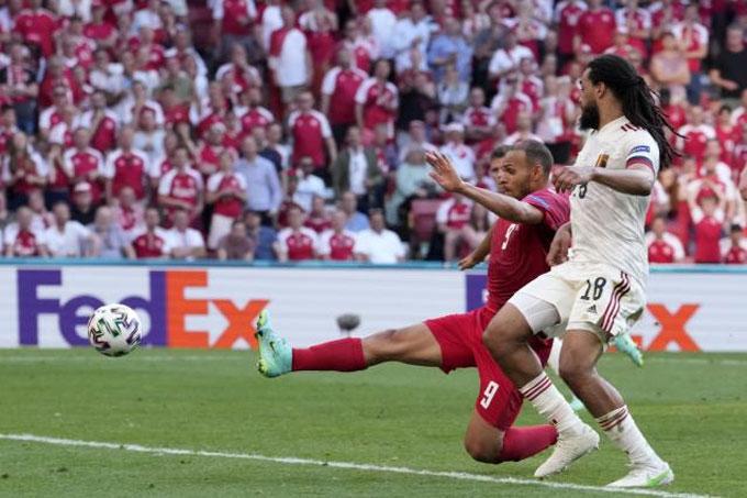 Bỉ đã có hiệp 1 tệ hại trước Đan Mạch
