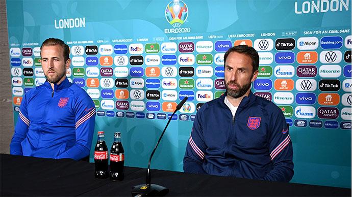 Southgate và Kane lên tiếng sau vụ Ronaldo 'ngược đãi' Coca Cola