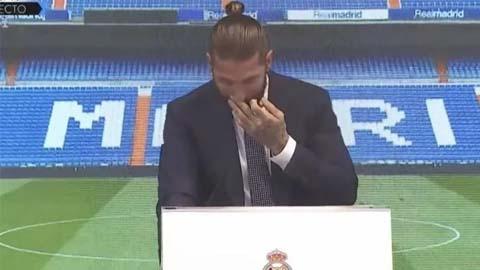 Ramos khóc trong buổi họp báo chia tay Real