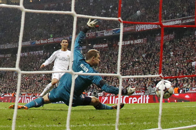 Ronaldo là hung thần của Neuer với 9 lần phá lưới thủ môn này