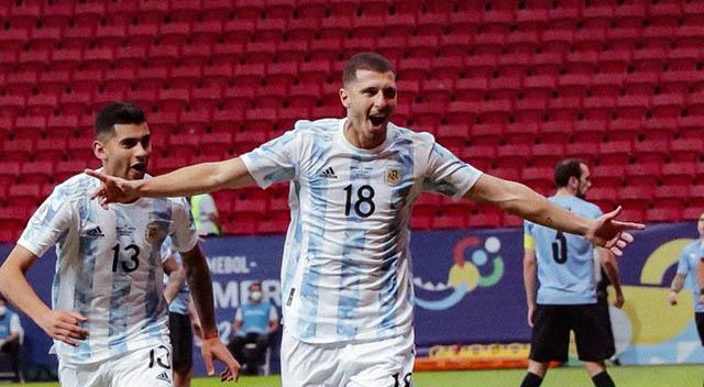 Guido Rodriguez ghi bàn mở tỷ số cho Argentina