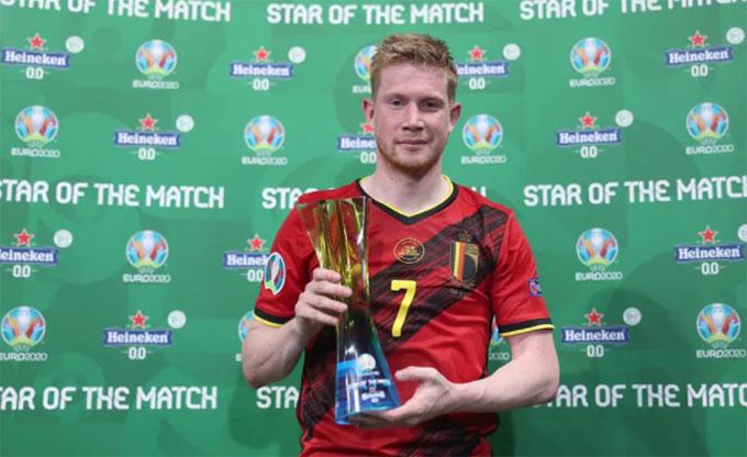 De Bruyne giành giải cầu thủ hay nhất trận
