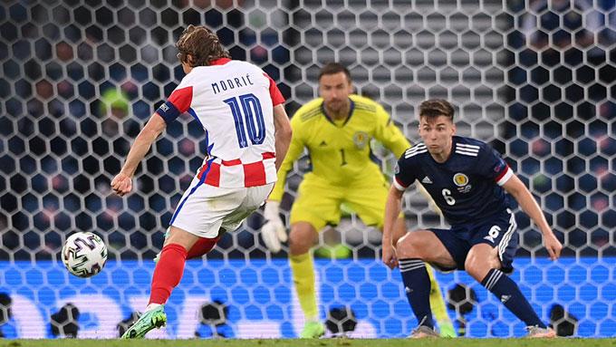 Cú trivela thần sầu của Modric làm thay đổi cục diện trận đấu Croatia vs Scotland