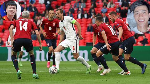 Tại khu cách ly, Văn Đức (ảnh nhỏ phải) và Hoàng Đức (ảnh nhỏ trái) tranh thủ theo dõi các trận đấu ở EURO 2020