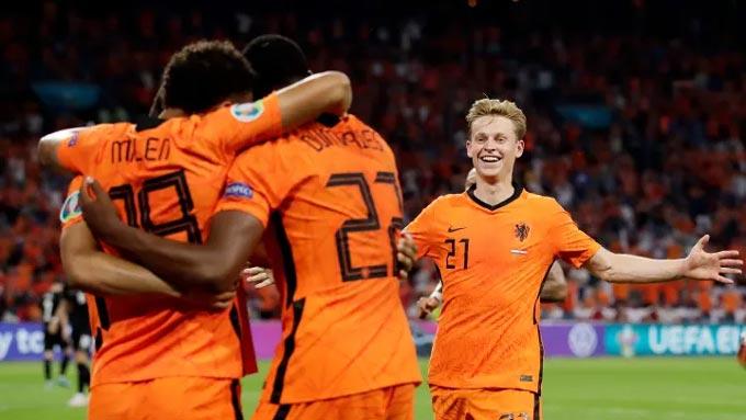 Hà Lan đang chơi thứ bóng đá cống hiến ở EURO 2020