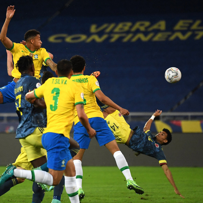 Luis Diaz mở tỷ số trận Brazil vs Colombia bằng 1 siêu phẩm