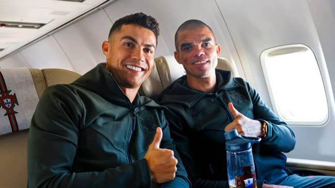 Chế độ ăn kiêng bí mật của Ronaldo: Bông cải xanh, thịt gà, cơm và nước lọc