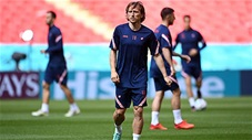 Modric lại khiến fan nức lòng với siêu phẩm Trivela trên sân tập trước trận gặp Tây Ban Nha