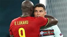 Khoảnh khắc EURO: Ronaldo ném và đá băng đội trưởng, dàn sao tuyển Bỉ động viên CR7