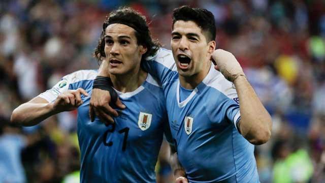 Suarez và Cavani sẽ giúp Uruguay có chiến thắng nhẹ nhàng trước khi bước vào tứ kết
