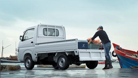 Suzuki Carry Pro - vận hành bền bỉ chẳng ngại thời tiết nhờ thùng xe thép tấm mạ kẽm  chống ăn mòn và rỉ sét