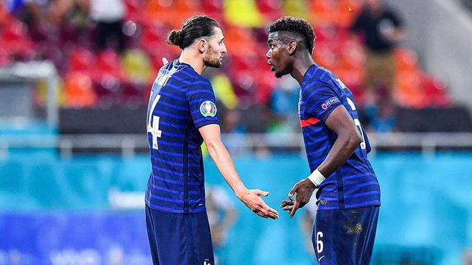 Rabiot và Pogba tranh cãi sau tình huống bị gỡ hòa 3-3