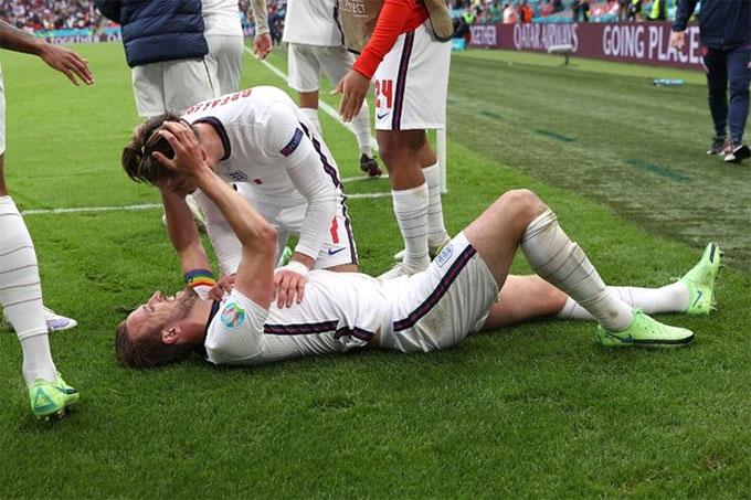 Kane ghi bàn thứ 2 cho Anh sau đường chuyền của Grealish