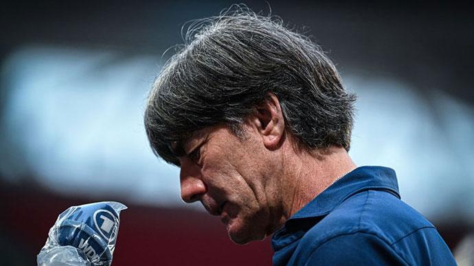 Joachim Low chia tay Đức: 15 năm của vinh quang & tủi nhục