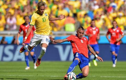 Ở thời điểm hiện tại, chủ nhà Brazil (áo vàng) quá mạnh so với đối thủ Chile