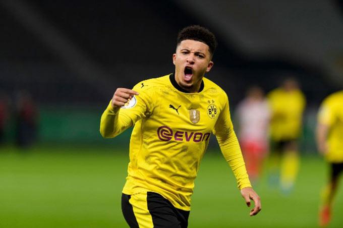 Dortmund bất lực trong việc giữ chân Sancho